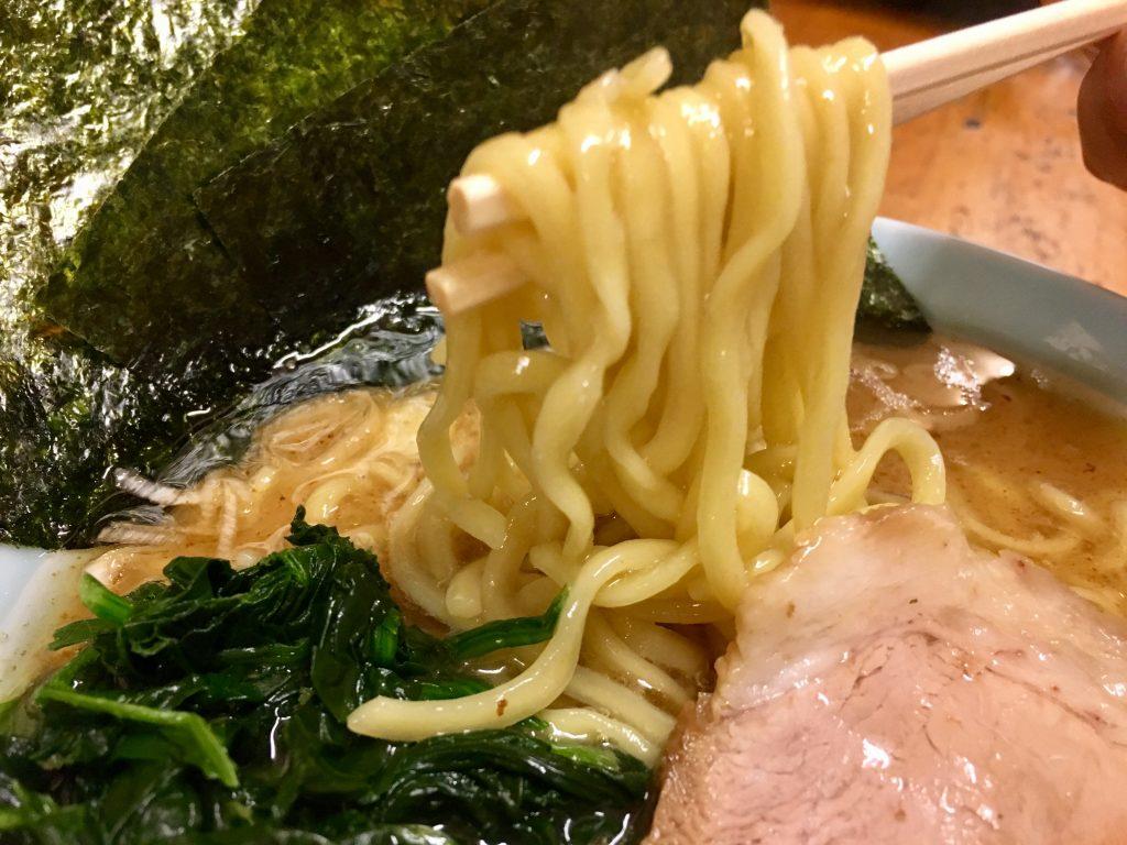 八王子の美味い家系ラーメン!!高根家の魔法のスープ麺