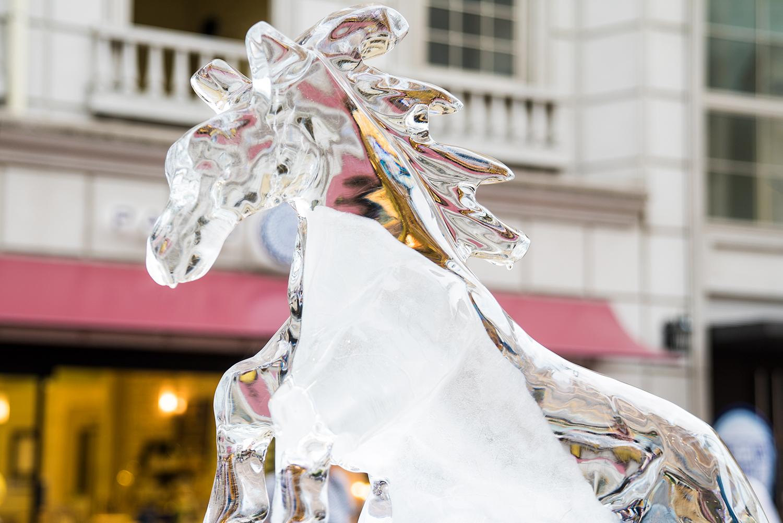 八王子まつり2017第34回夏季全国氷彫刻展馬