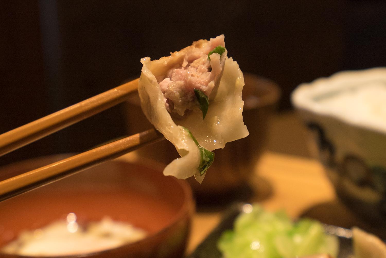 八王子ダンダダン酒場!!モチモチ肉汁餃子が堪らない