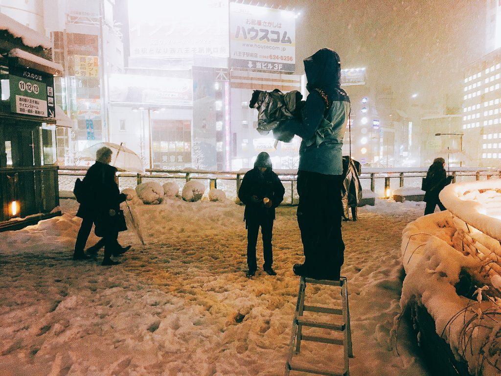 八王子 駅前 TV取材 雪