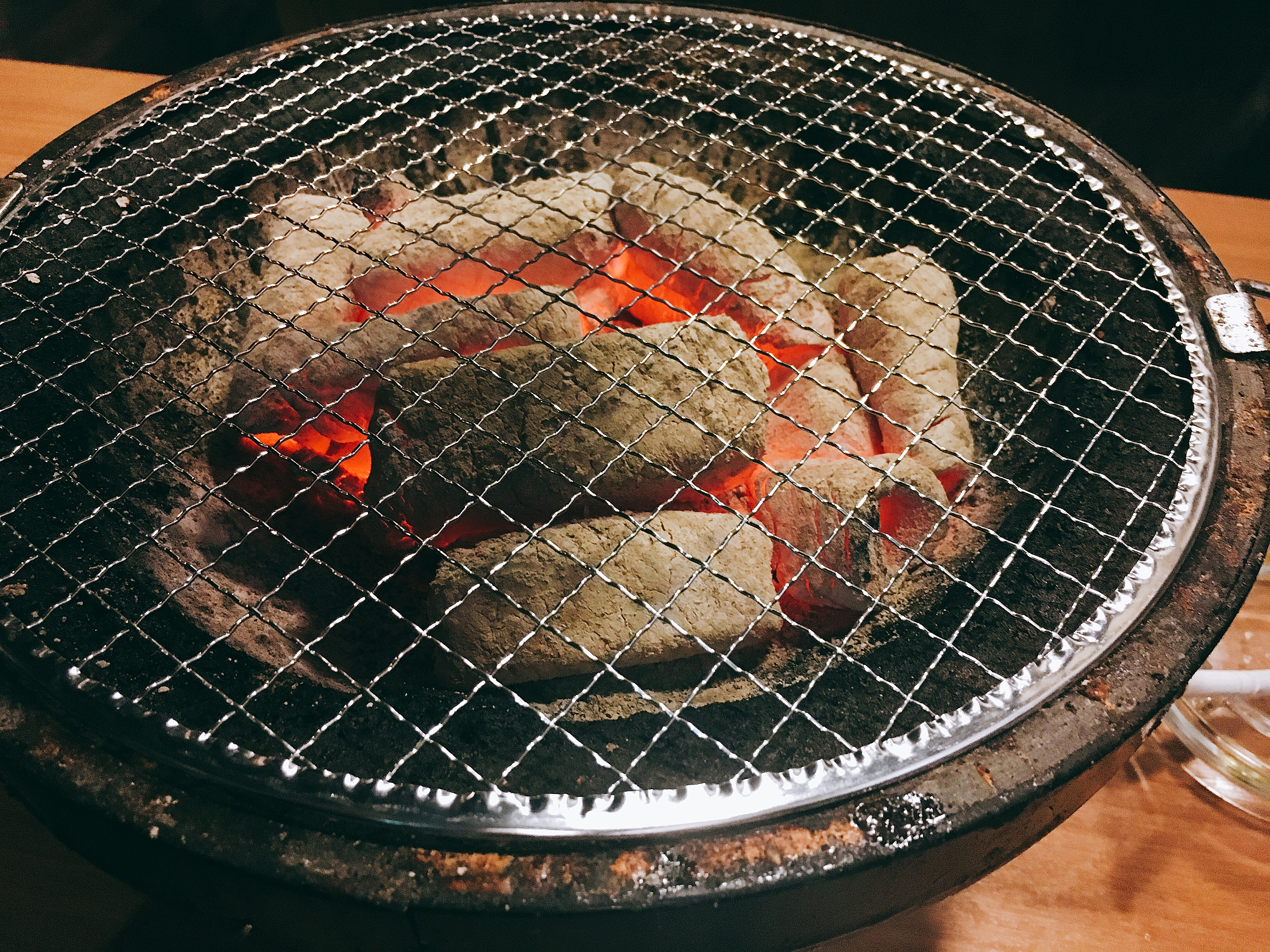牛匠 炭火(SU・MI・KA) 八王子!!深夜の肉が安いぞマジで!!
