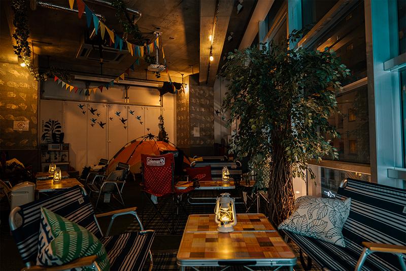 へやにわ!!日本酒飲み放題の隠れ家的室内キャンプが自由すぎww