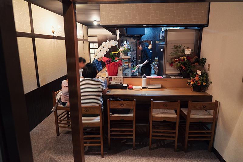 500円でハンバーグディッシュ?【¥500バーグ食堂】オープン!!
