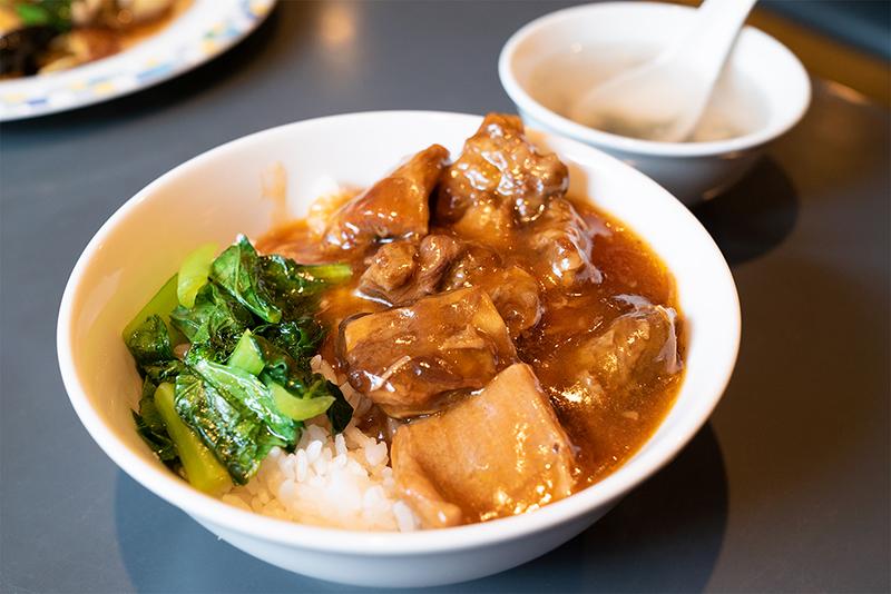 東華飯店(トウカハンテン) 牛バラ飯