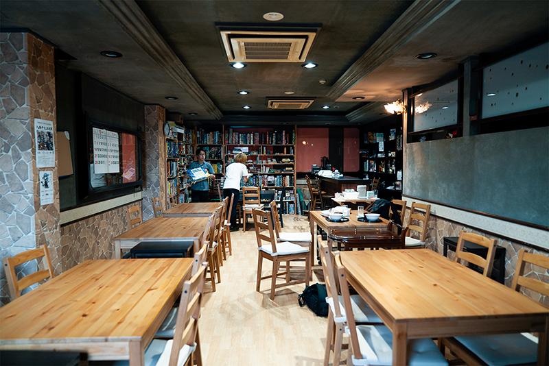 ぶれんのランチ!!ボードゲームカフェでローストビーフ丼が食べられる!?