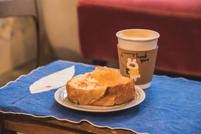 coffee ritmos(コーヒー リトモス) 自家製りんごジャムとクリームチーズのタルティーヌ