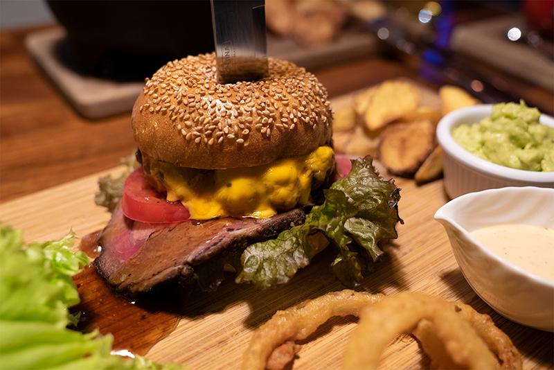 PENTHOUSE Gastro Dining(ペントハウス ガストロダイニング) ペントハウスバーガー