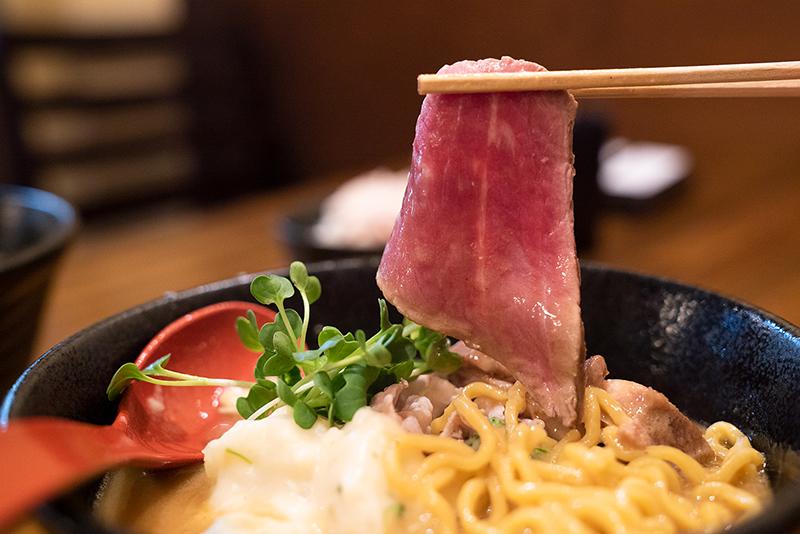 麺屋 神風 八王子 味噌シチューラーメン ローストビーフ