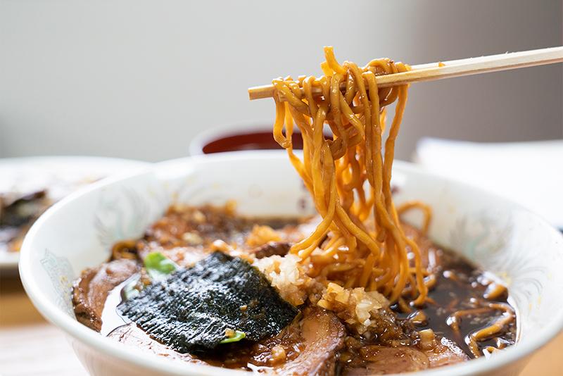 八王子 ちとせ チャーシューメン 麺