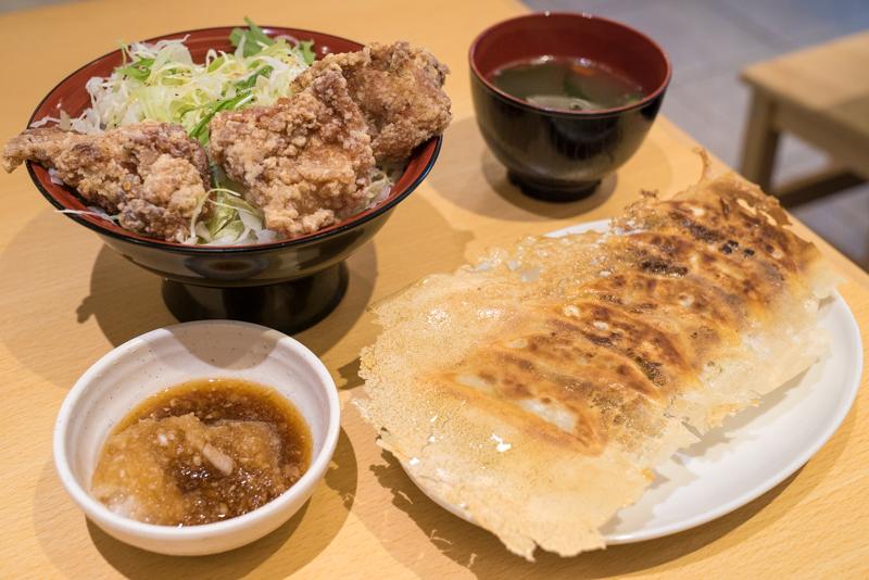 餃子のさんくみ 八王子 餃子定食