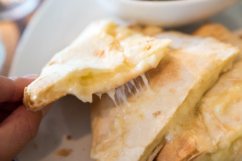 AGRA(アグラ) チーズナン