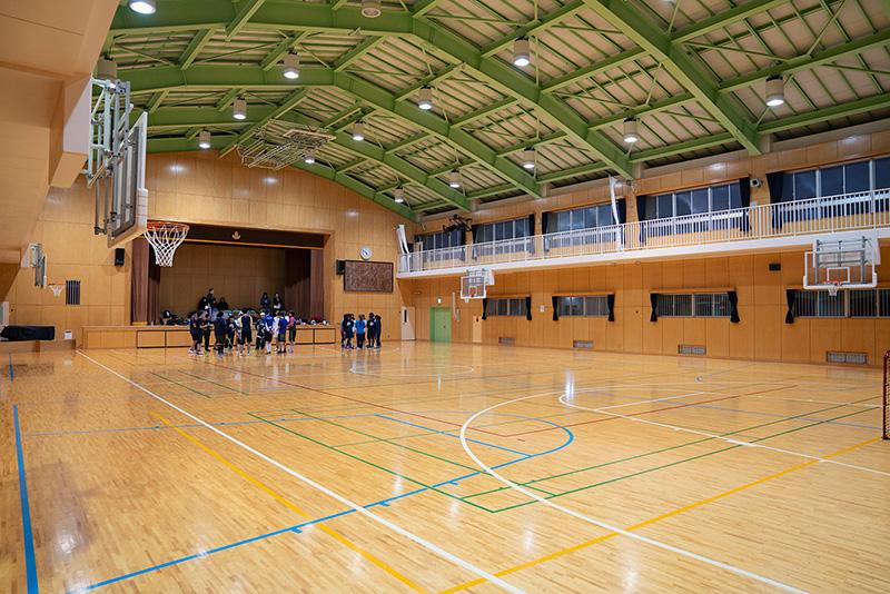 八王子フロアボールクラブ 練習 八王子第三小学校 体育館