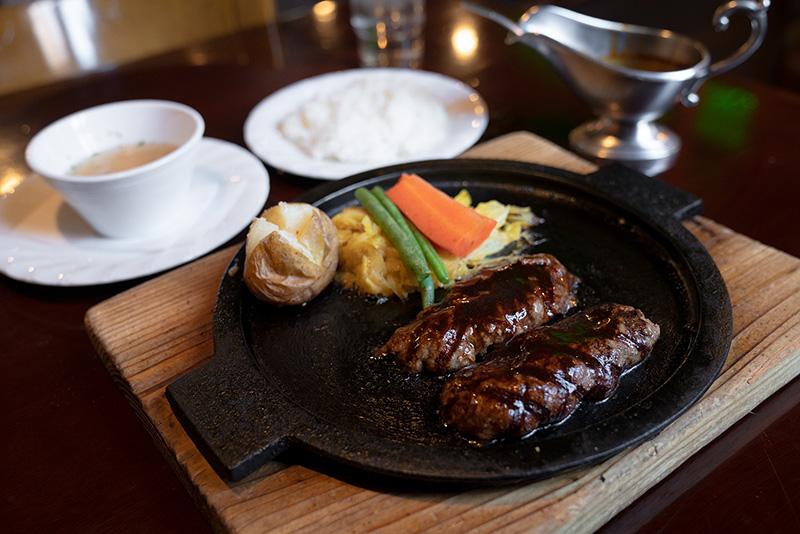 炭焼ハンバーグ&ステーキ ジョージ 特選牛ハンバーグステーキ150g