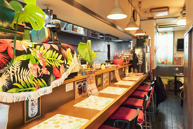 Cafe Tiger1 カフェ タイガーワン 内観 カウンター