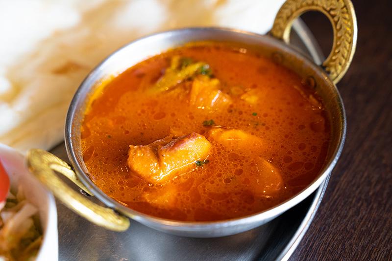 インドレストランデルコス 本日のスープカレーセット 鶏肉のスープカレー