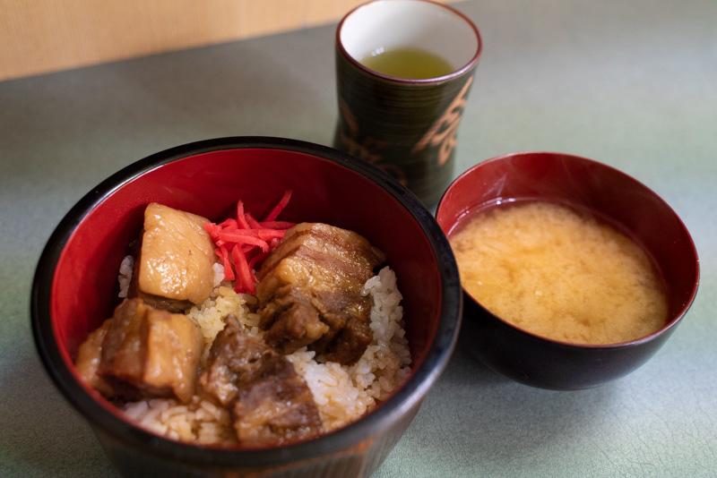 角煮専門店三福 角煮丼