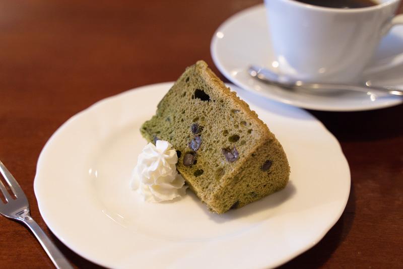 あずきカフェ くわの葉のシフォンケーキ