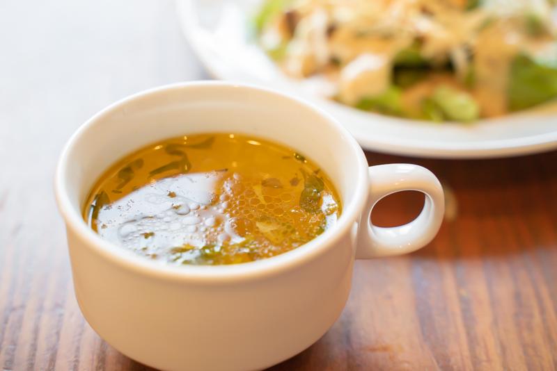 ナポリピッツァ&パスタマル 東急スクエア 8F オムライスハッシュドビーフソース スープ