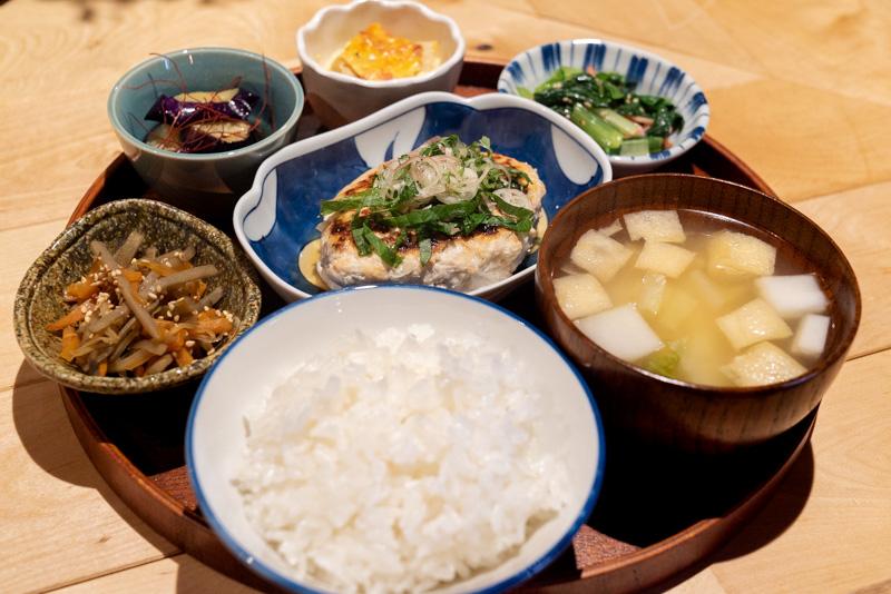 くらごはん 寺町蔵カレー あんかけ豆腐ハンバーグ ご膳