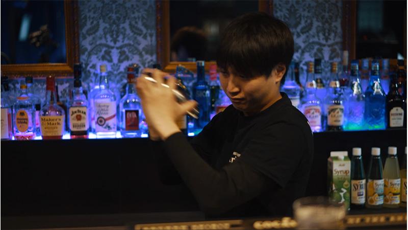 Amusement bar trip|本格ディナーも楽しめる娯楽BAR