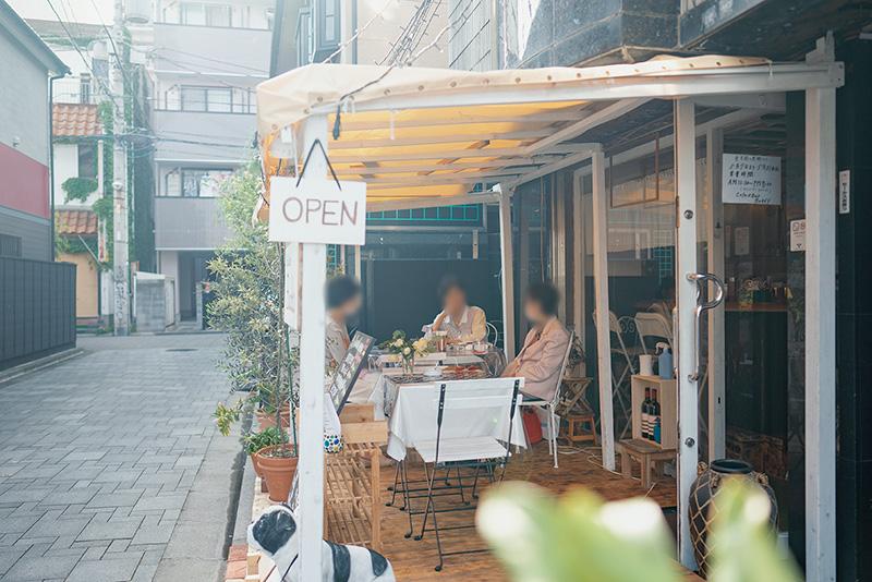 cafe&bar Buddy(バディー)|ペットOKのテラス付きカフェ